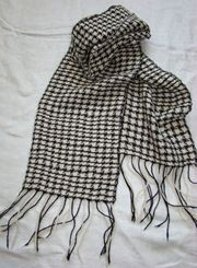 Highlands Handwoven Houndstooth Alpaca Scarf
